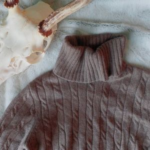 brown comfy turtleneck ♡